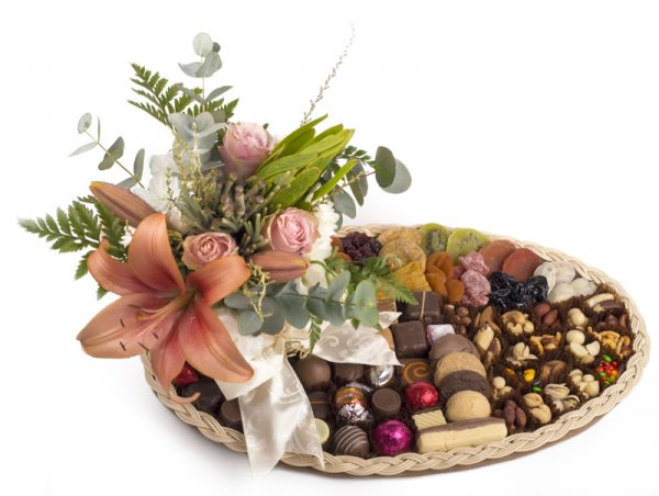 44cm Oval hamper with chocolates and flowers